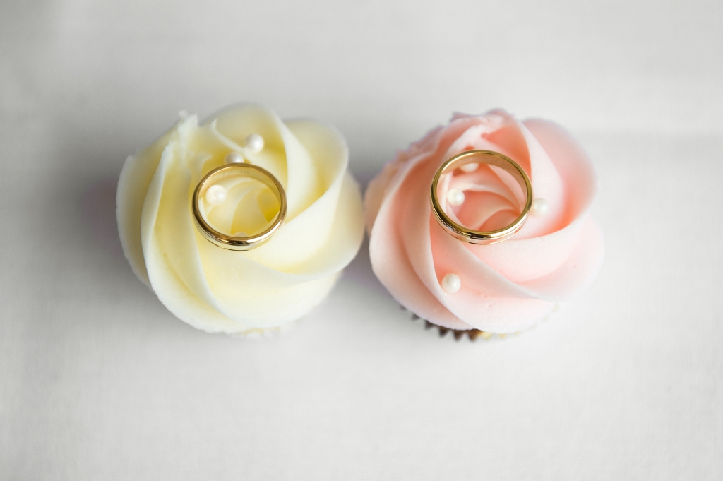 Cupcakes to say 'I do'